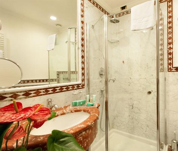 Baño hotel marconi milán