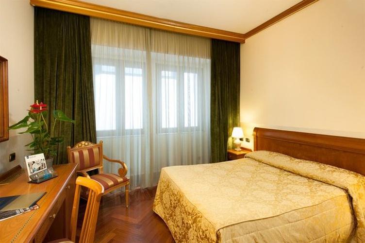 Habitación doble hotel marconi milán